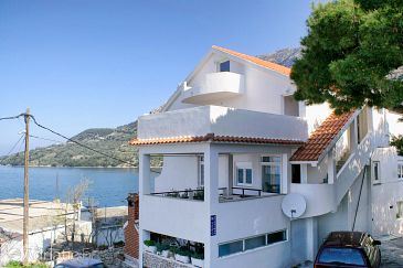 Property Drašnice (Makarska) - Accommodation 5265 - Apartments near sea with pebble beach.
