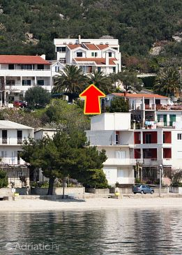 Property Igrane (Makarska) - Accommodation 5266 - Apartments near sea with pebble beach.