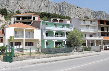 Property Duće (Omiš) - Accommodation 5278 - Apartments with sandy beach.