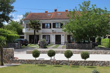 Property Vantačići (Krk) - Accommodation 5313 - Apartments with pebble beach.