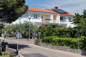 Property Krk (Krk) - Accommodation 5370 - Apartments with pebble beach.