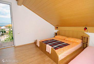 Njivice, Bedroom u smještaju tipa room, dostupna klima, dopusteni kucni ljubimci i WIFI.