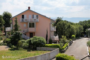 Property Njivice (Krk) - Accommodation 5398 - Apartments and Rooms with pebble beach.