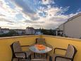 Punat, Terrace u smještaju tipa apartment, s pogledom na more i WIFI.