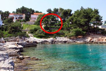Property Basina (Hvar) - Accommodation 542 - Apartments near sea with pebble beach.
