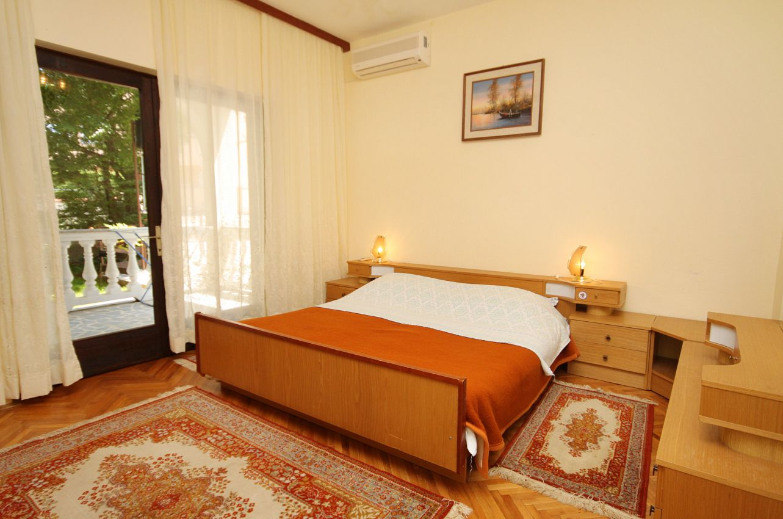 Apartmány s parkoviskom v meste Malinska - 5456