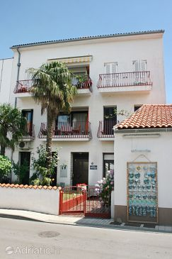 Property Selce (Crikvenica) - Accommodation 5497 - Apartments near sea with sandy beach.