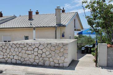 Property Novi Vinodolski (Novi Vinodolski) - Accommodation 5506 - Apartments with pebble beach.
