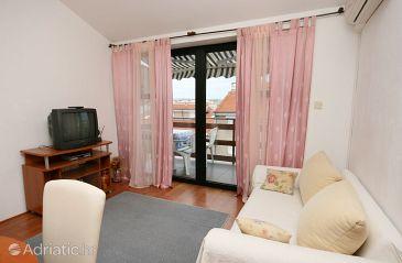 Apartment A-5523-a - Apartments Novi Vinodolski (Novi Vinodolski) - 5523