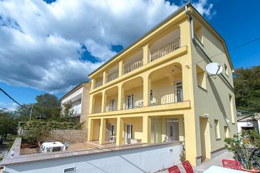 Property Dramalj (Crikvenica) - Accommodation 5592 - Apartments with pebble beach.