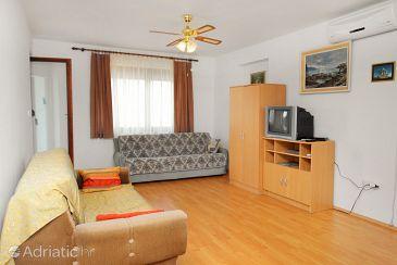 Apartment A-5599-a - Apartments Novi Vinodolski (Novi Vinodolski) - 5599