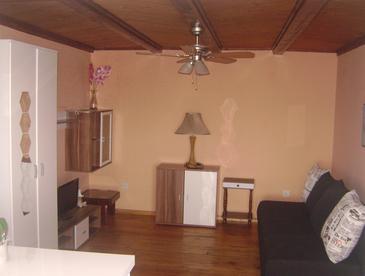 Apartment A-5601-b - Apartments Novi Vinodolski (Novi Vinodolski) - 5601