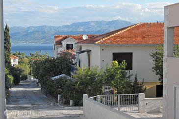 Property Supetar (Brač) - Accommodation 5611 - Apartments with pebble beach.