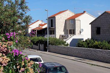 Obiekt Supetar (Brač) - Zakwaterowanie 5612 - Apartamenty ze żwirową plażą.
