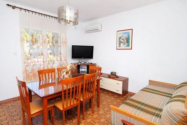 Apartment A-5613-a - Apartments Mirca (Brač) - 5613