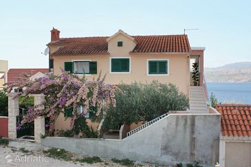 Property Postira (Brač) - Accommodation 5618 - Apartments with pebble beach.