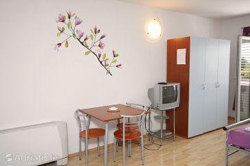 Studio flat AS-5632-a - Apartments Bol (Brač) - 5632