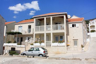 Property Bol (Brač) - Accommodation 5641 - Apartments with pebble beach.