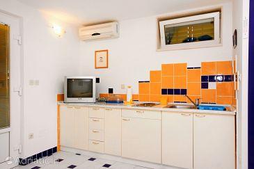 Studio flat AS-5642-a - Apartments Bol (Brač) - 5642