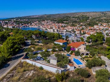 Property Milna (Brač) - Accommodation 5650 - Vacation Rentals with pebble beach.