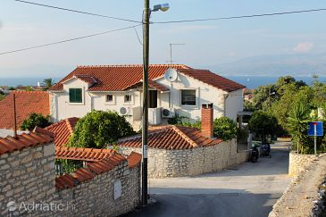 Property Supetar (Brač) - Accommodation 5662 - Apartments with pebble beach.