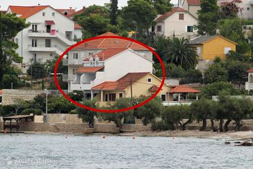 Property Sutivan (Brač) - Accommodation 5675 - Apartments near sea with pebble beach.