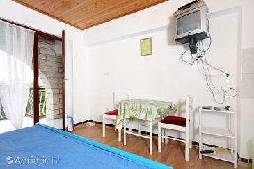 Zadar - Diklo, Dining room u smještaju tipa studio-apartment, WIFI.