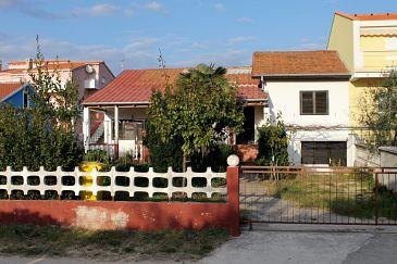 Obiekt Vrsi - Mulo (Zadar) - Zakwaterowanie 5798 - Apartamenty blisko morza ze żwirową plażą.