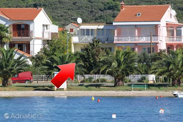 Property Sukošan (Zadar) - Accommodation 5802 - Apartments near sea with pebble beach.