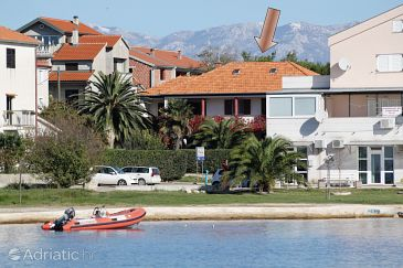 Property Privlaka (Zadar) - Accommodation 5813 - Apartments near sea with sandy beach.