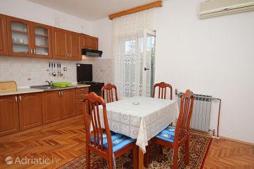 Tkon, Dining room u smještaju tipa apartment, dostupna klima i WIFI.