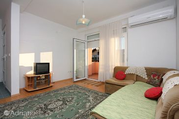 Sabunike, Living room u smještaju tipa apartment, dostupna klima.