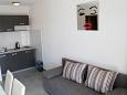 Biograd na Moru, Kitchen u smještaju tipa studio-apartment, dopusteni kucni ljubimci i WIFI.