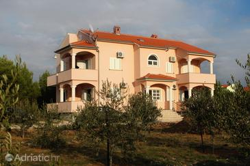 Property Vrsi - Mulo (Zadar) - Accommodation 5860 - Apartments near sea with pebble beach.