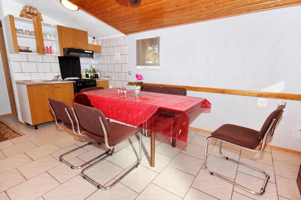 Dom s parkoviskom v meste Zemunik Gornji - 5873