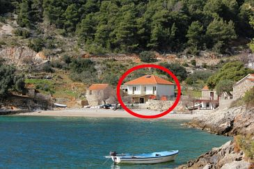 Property Uvala Torac (Hvar) - Accommodation 589 - Apartments near sea with pebble beach.