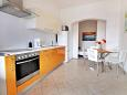 Kitchen - Apartment A-5974-a - Apartments Mimice (Omiš) - 5974