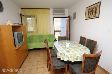 Apartment A-5980-a - Apartments Vinišće (Trogir) - 5980