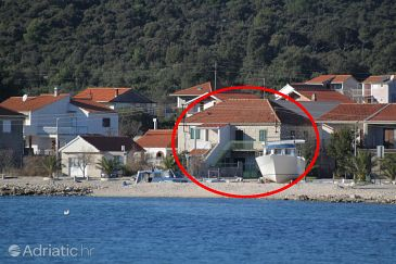 Property Vinišće (Trogir) - Accommodation 5980 - Apartments near sea with pebble beach.
