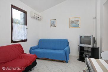 Slatine, Living room u smještaju tipa apartment, dostupna klima.