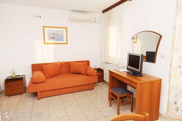 Baška Voda, Living room u smještaju tipa apartment, dostupna klima.