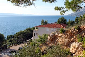 Property Brela (Makarska) - Accommodation 6006 - Apartments near sea with pebble beach.