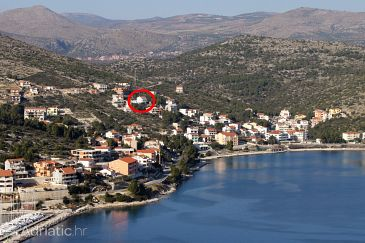 Property Marina (Trogir) - Accommodation 6014 - Apartments with pebble beach.