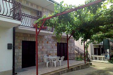 Obiekt Podstrana (Split) - Zakwaterowanie 6044 - Apartamenty ze żwirową plażą.
