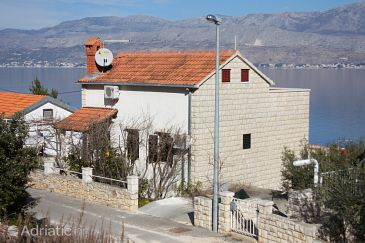Property Postira (Brač) - Accommodation 6049 - Apartments with pebble beach.