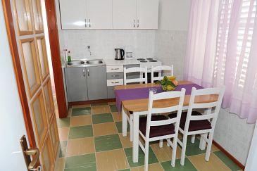 Podstrana, Dining room u smještaju tipa studio-apartment, WIFI.