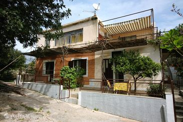 Property Podgora (Makarska) - Accommodation 6083 - Apartments with pebble beach.