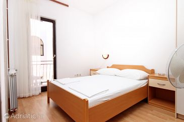 Room S-6088-b - Apartments and Rooms Makarska (Makarska) - 6088