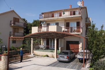 Srima - Vodice, Vodice, Obiekt 6099 - Apartamenty ze żwirową plażą.