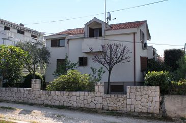 Property Petrčane (Zadar) - Accommodation 6102 - Apartments near sea with pebble beach.